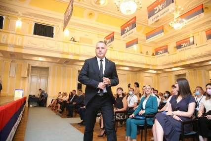 JEDNOGLASNA ODLUKA Za predsjednika Gradskog odbora US Banjaluka izabran Siniša Vidović (FOTO)