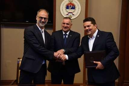 Ujedinjena Srpska potpisala protokol o saradnji sa Demokratskom partijom Srba u Makedoniji (FOTO)
