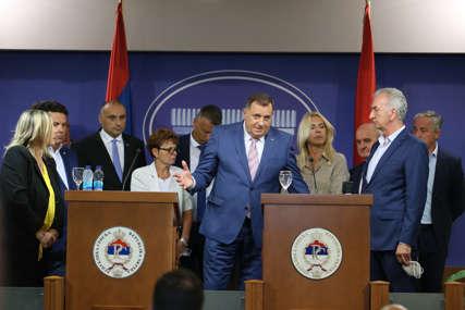 """Da li opozicija NASIJEDA NA IGRU prvog čovjeka SNSD """"Rejting jačati na ekonomiji, a ne na kritikama Dodika"""""""