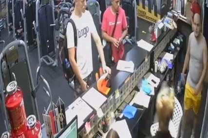 BRUTALNA SCENA NASILJA Pesnicama u glavu udarao radnicu u teretani (VIDEO)