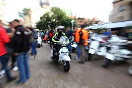 FILMSKA POTJERA U ZAGREBU Diler na mopedu bježao policiji i bacao drogu po ulici
