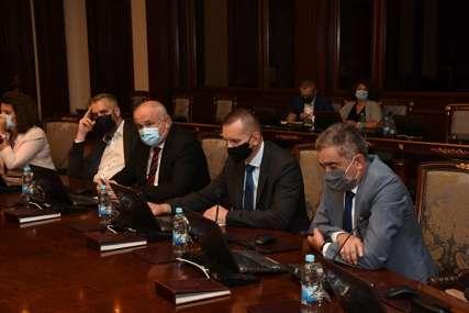 USAGLAŠEN SA USTAVOM Vlada Srpske podržala izmjenu Krivičnog zakona RS (FOTO)