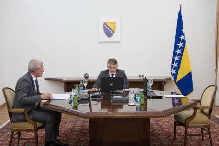 """""""BRZI ODGOVOR 2021"""" Predsjedništvo održalo novu sjednicu bez Dodika, odobrili EUFOR-u redovnu godišnju vježbu"""