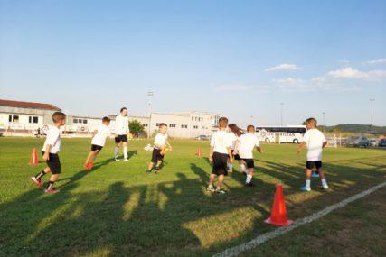 Počeo 4. kamp crno-bijelih: Partizan i Mladost okupili više od 60 mališana (FOTO)