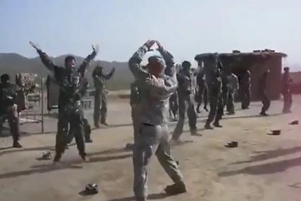 SMIJEŠNO ILI TUŽNO?! Da li su Amerikanci zaista ovako obučavali Avganistance (VIDEO)
