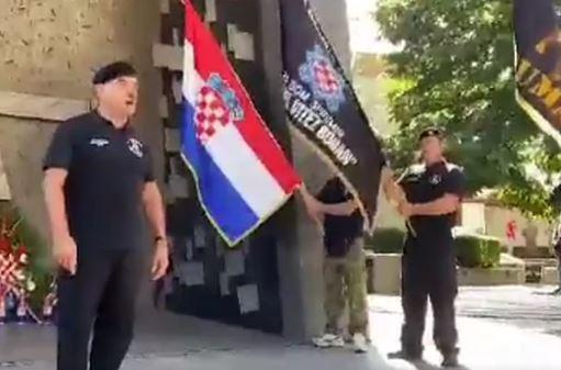 """Orilo se za """"Za dom spremni"""" Pripadnik HOS-a održao skandalozan govor u Kninu (VIDEO)"""