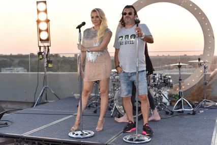 Zaratili zbog novca, a drama se nastavlja: Još jedna pjesma Ace Lukasa i Ivane Selakov uklonjena sa Jutjuba