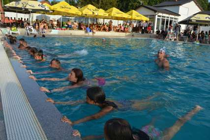 Na bazenima Oktopus u Loparama ZAVRŠENA ŠKOLA PLIVANJA