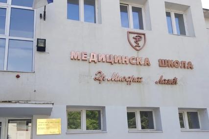Heroj koji se ne zaboravlja: Medicinska škola u Nišu sada nosi ime doktora Lazića, a na spomen ploči uklesane dirljive riječi (FOTO)