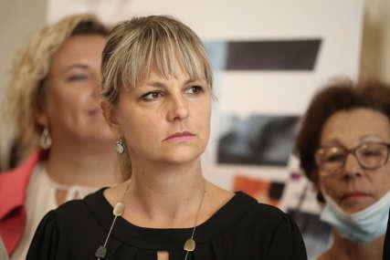 """""""Ubjeđuju nas da smo LUDI I SLIJEPI"""" Stanivukovićeva savjetnica reagovala na fotografije hrane u UKC RS"""