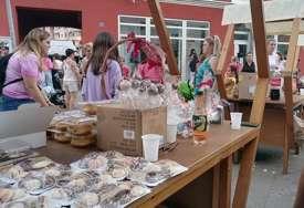 Građani Novog Grada pokazali humanu stranu: Održan humanitarni bazar za malog Boška