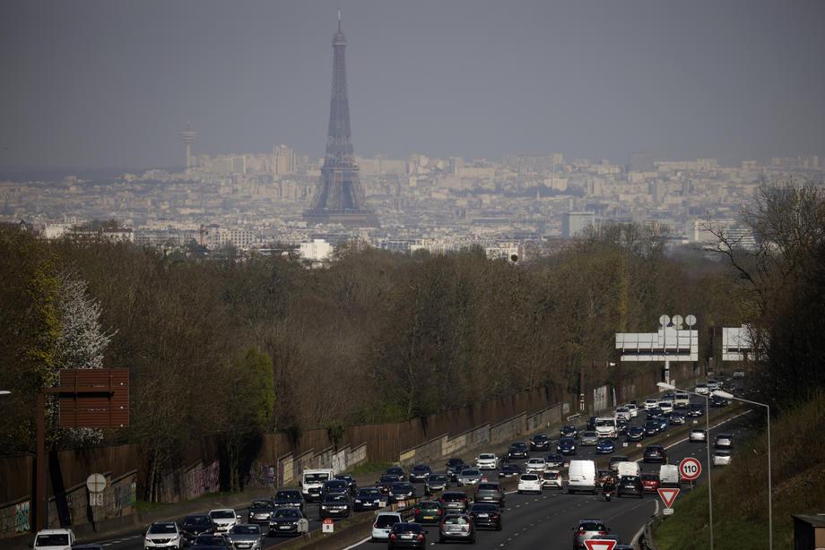 SMANJUJU ZAGAĐENJE Pariz uvodi ograničenje brzine na gradskim ulicama na 30 kilometara na sat