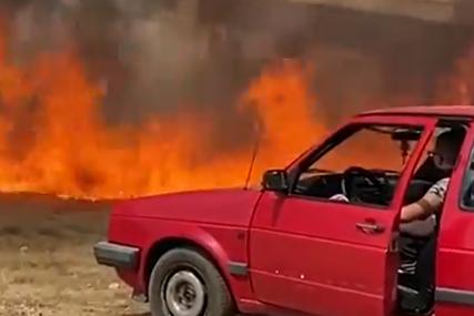 Mladić iz Hercegovine spasao prijateljev automobil ispred ogromnog plamena (VIDEO)