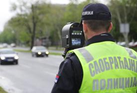 PIJAN IZAZVAO SAOBRAĆAJNU NESREĆU Vozio moped sa 2,12 promila alkoloha u krvi i bez dozvole