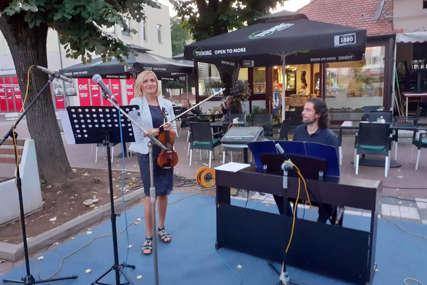 Posjetioci uživali u zvucima klasične muzike: U Šamcu održan koncert violine i klavira