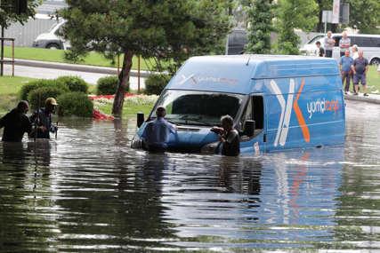 U poplavama u Turskoj poginulo 27 osoba: Iz svojih domova EVAKUISANO VIŠE OD 1.700 LJUDI