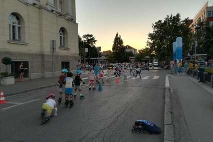 Dio glavne ulice i ovog vikenda pretvoren u PJEŠAČKU ZONU: Klinci oduševljeno učili da voze rolere (FOTO)