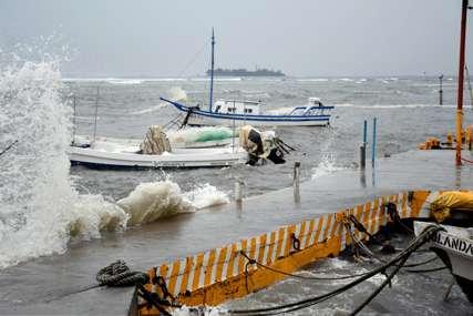 """""""Oluja neće oslabiti"""" Snažni uragan se bliži Nju Orleansu, gradonačelnica pozvala građani na evakuaciju"""