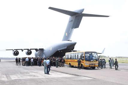 U letjelici se nalazi oko 170 putnika: Avion sa stranim državljanima krenuo iz Kabula