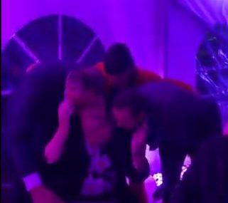 Emotivni trenutak na slavlju: Dodik sa bratom i sestrom grli majku uz stihove pozate pjesme (VIDEO)