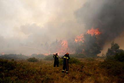 UGROŽENE KUĆE Veliki požar zahvatio Malo brdo u Podgorici