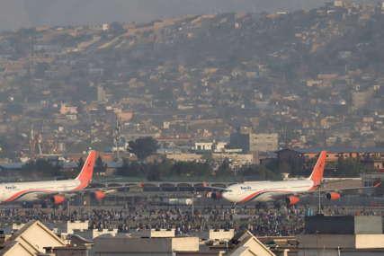 FOKUS EVAKUACIJA STRANACA Najmanje 20 osoba stradalo na aerodromu u Kabulu