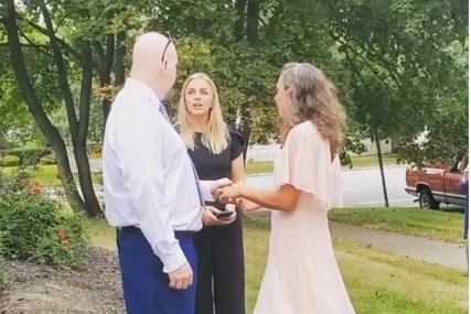 Nevjerovatno: Udala se za čovjeka koji je bio u zatvoru zbog ubistva njenog brata
