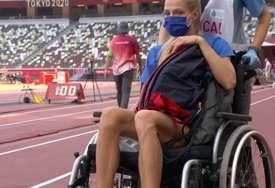 Ruska ljepotica stadion napustila u invalidskim kolicima i morala dati uzorak za doping test