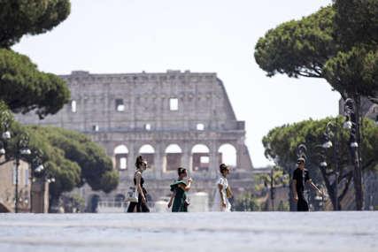 UMRLE 54 OSOBE U Italiji korona potvrđena kod 5.273 osobe