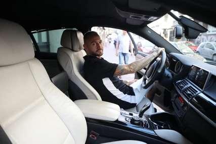 Ša kupio automobil od 100.000 EVRA: Uzeo jedan od novijih modela nakon što mu je Tara slupala prethodni