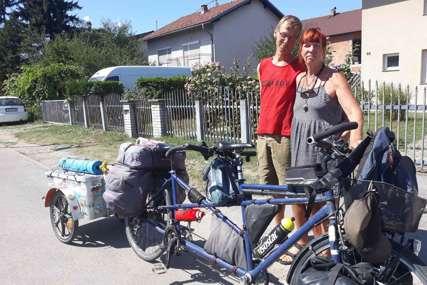 Godinu dana na biciklu krstare Balkanom: Šta je dvoje Nijemaca očaralo u Banjaluci (FOTO, VIDEO)
