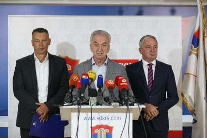 """""""Odgovara im panika"""" Šarović tvrdi da nadležni žele da promijene Zakon o lijekovima i nastave uvoz tehničkog gasa"""