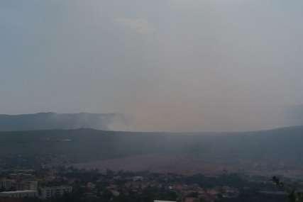 Danima se bore s vatrenom stihijom: Pod kontrolom požar u okolini Bileće