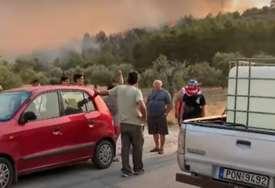 Buktinja u Grčkoj se ne smiruje: Ponovo aktivirani požari oko Atine
