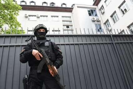 Jake policijske snage oko manastira: Blokirani prilazi zgradi Skupštine Cetinja