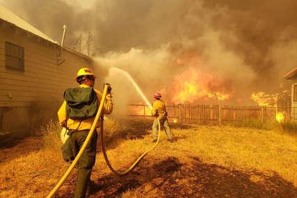 Požari haraju italijanskim ostrvom: Na Siciliji proglašena šestomjesečna vanredna situacija