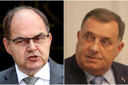 """""""Blokade nisu politika, nego slabost"""" Šmit u Bledu komentarisao odsustvo Dodika"""