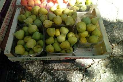 """Prve smokve po """"paprenoj"""" cijeni: Kilogram voća kojim obiluje jug Hercegovine prodaje se za 10 KM (FOTO)"""