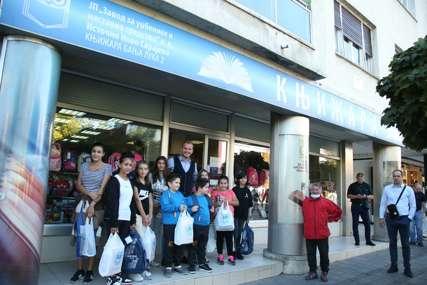 Podrška romskoj populaciji: Gradonačelnik u kupovini školskog pribora sa mališanima (FOTO)
