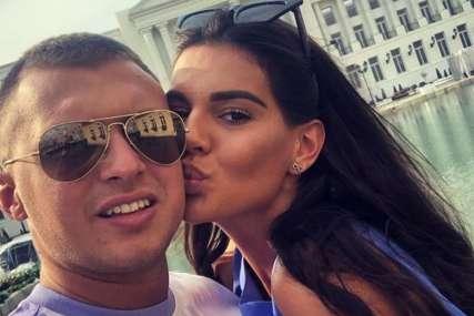 Stefan Karić jedva čeka da dobiju bebu: Ljubio Jovanu u stomak, pa progovorio o potomstvu sa njom