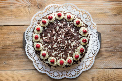 Za prste polizati: Švarcvald torta koja se ne peče