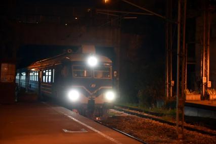 Beogradski policajci je održali u životu: Ostavila poruku i ušla u tunel, pronašao je mašinovođa sa ODSJEČENIM NOGAMA