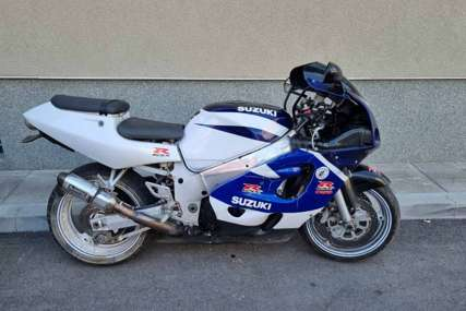 """Za kazne duguje 11.000 KM:  Policija oduzela motor """"suzuki"""""""