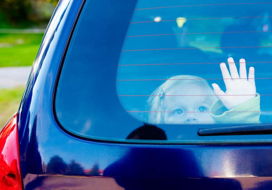 """""""Bio je crven u licu i POLUSVJESTAN"""" Žena spasila dječaka kojeg je majka ostavila u zaključanom vozilu po vrućini"""