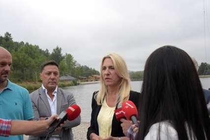 """Cvijanovićeva posjetila turistički centar """"Manjača"""": Za potpuno opremanje potrebna dva miliona KM"""