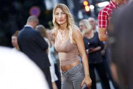 Pjevačica se razgolitila: Skinula se Ana Stanić i pokazala ISKLESANE TRBUŠNJAKE (FOTO)