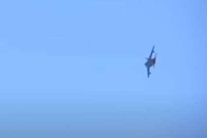 "Dva ""orla"" pravila krugove iznad prelaza: Avioni opet nadlijetali Jarinje (FOTO)"