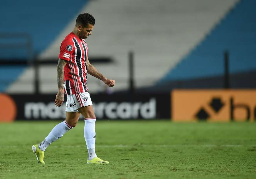 Dani Alveš napustio Sao Paulo, ugovor raskinut zbog neipslaćenih plata