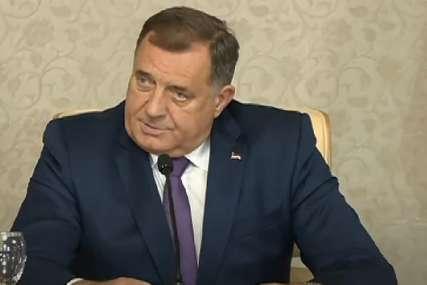 """""""Svaki dan lažu, sram ih bilo"""" Dodik poručuje da su iza afere """"Kiseonik"""" pokušaji da se RASTURI SRPSKA (VIDEO)"""
