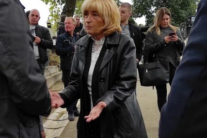 Srceparajuć trenutak na pomenu Tomi Zdravkoviću: Supruga počela da plače kad je zagrlila Milana Marića (VIDEO)